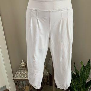 LULULEMON, White Cropped Pants